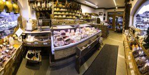 la-bottega-di-sappada-dolomiti-prodotti-tipici-dolomit-speck-ricotta-salame-formaggi-3-300x151
