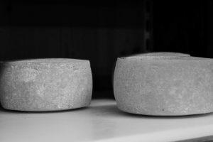 la-bottega-di-sappada-dolomiti-prodotti-tipici-dolomit-speck-salame-formaggi-19-300x200