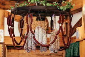 la-bottega-di-sappada-dolomiti-prodotti-tipici-dolomit-speck-salame-formaggi-6-300x200